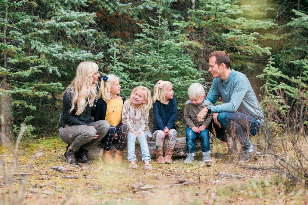 Family Of 6 Posing Ideas Fall Photos Edworthy Park