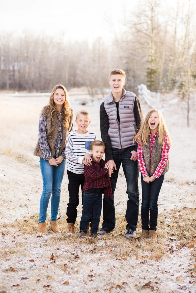 siblings, family photos, large family posing ideas