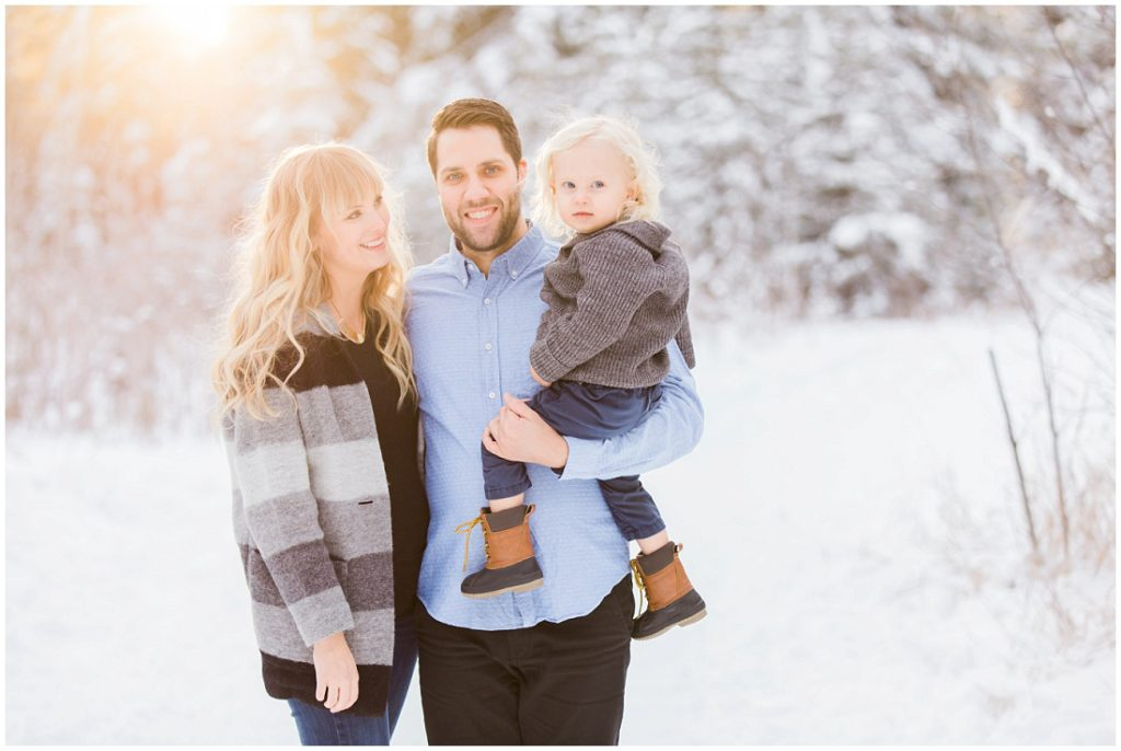 winter family photos, family of 3, beautiful light