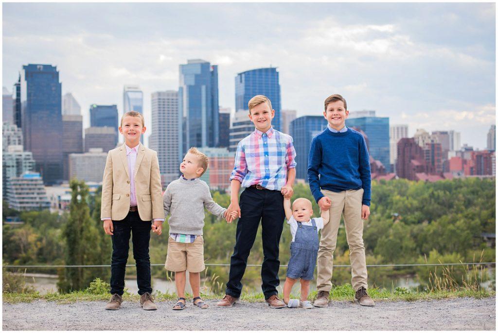 family photos, family of 7, Calgary skyline